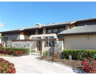603 Barry Pl, Indian Rocks Beach, FL 33785