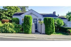 405 S 10th St, Mount Vernon, WA 98274