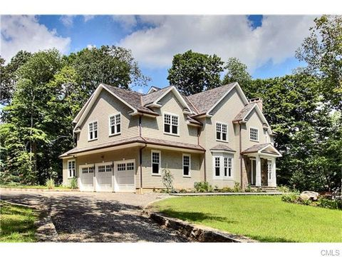 28 Old Camp Ln, Greenwich, CT 06807