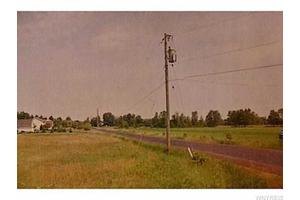 1115 Rapids Rd, Lockport-Town, NY 14094