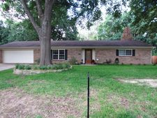120 Little John St, White Oak, TX 75693