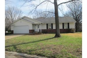 6 Verden Ct, St Charles, MO 63301