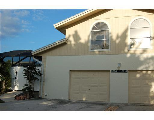 5206 Woodruff Ln, Palm Beach Gardens, FL 33418