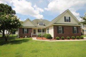 102 Acreview Dr, Goldsboro, NC 27530