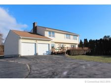 37 Niantic River Rd, Waterford, CT 06385