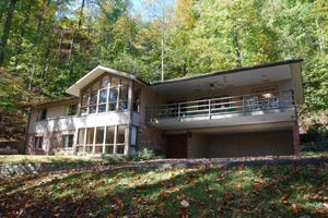 320 Greystone Heights Rd, Gatlinburg, TN 37738