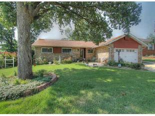 1222 Forest Dr, Sand Springs, OK
