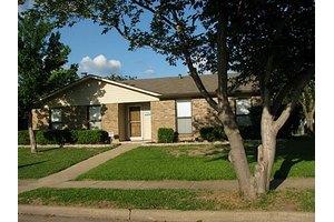 5221 Aberdean Trl, Grand Prairie, TX 75052