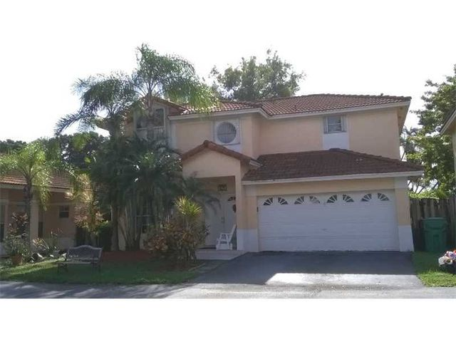 Home For Rent 5763 Nw 99th Ave Doral Fl 33178