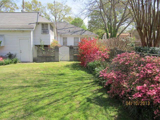 624 Grace St, Greenwood, SC 29649 - realtor.com®