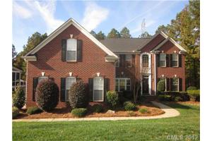 128 Whiterock Dr, Mount Holly, NC 28120