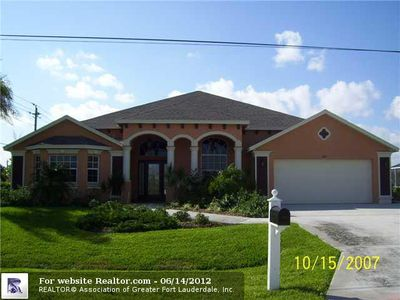 802 Nw Treemont Ave, Port Saint Lucie, FL