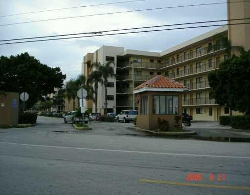 9915 W Okeechobee Rd # 2-102, Hialeah Gardens, FL 33016