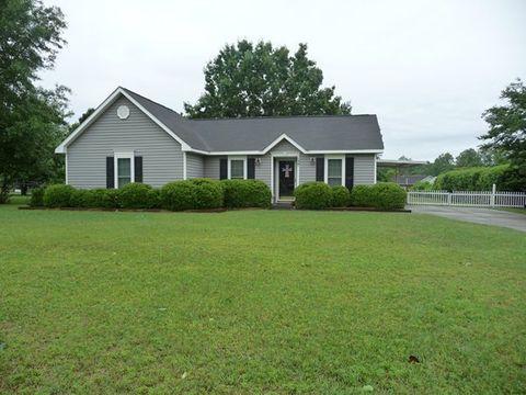 137 Woodstone Cir, Albany, GA 31701