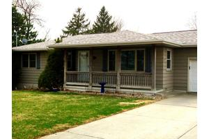 15464 Hilltop Rd, Council Bluffs, IA 51503