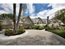 153 Chichester Rd, New Canaan, CT 06840