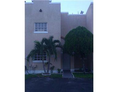 12513 Nw 7th Ln, Miami, FL