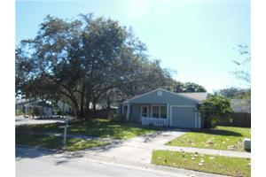 2796 Teak Dr, Palm Harbor, FL 34684