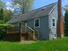354 Carmell Dr, Upper Saint Clair, PA 15241