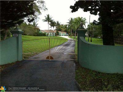 250 Florida Mango Rd, West Palm Beach, FL
