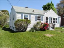 86 Bayshore Dr, New London, CT 06320