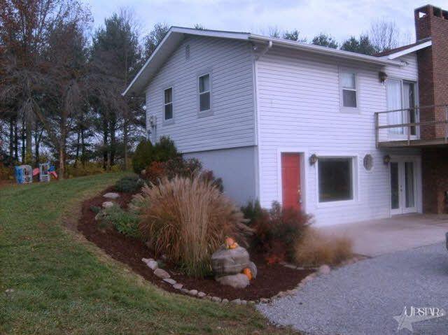 6400 County Road 20, Butler, IN 46721
