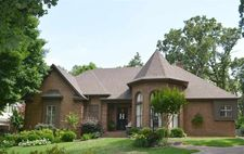 7911 Woodchase Dr, Memphis, TN 38016