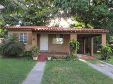 620 La Villa Dr, Miami Springs, FL 33166