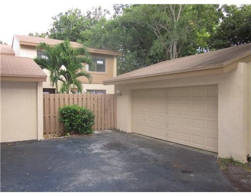 10997 Sw 113th Pl, Miami, FL 33176