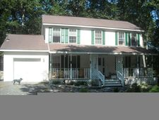 105 Hunts Rd, Dingmans Ferry, PA 18328