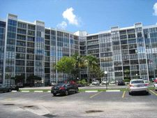 800 Parkview Dr Apt 405, Hallandale, FL 33009