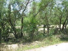 1 Lincoln Ave, Hargill, TX 78549