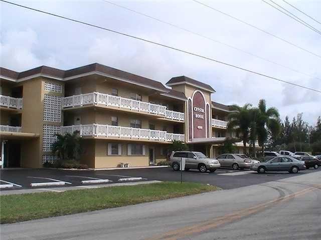 4200 Crystal Lake Dr Unit 104A Deerfield Beach, FL 33064