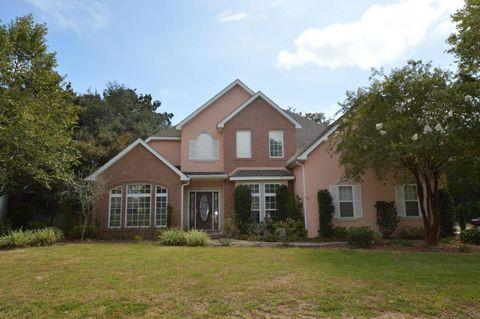 1732 Magnolia Harbor Dr, Navarre, FL 32566