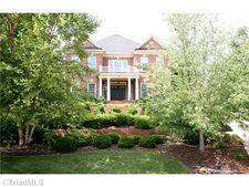 9 Foxglove Ln, Greensboro, NC 27455