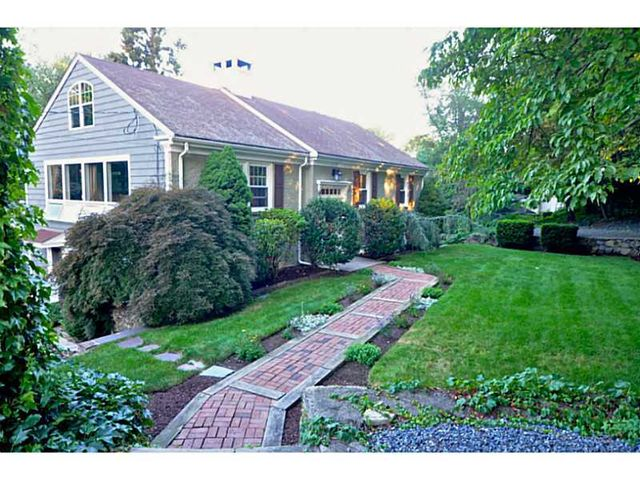 17 Evergreen Rd, Lincoln, RI 02865 - Home For Sale and ...