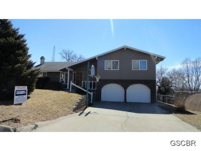 420 Driftwood Ct, Sioux City, IA