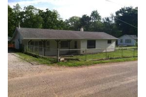 11035 E Cherokee Rd, Walkerton, IN 46574