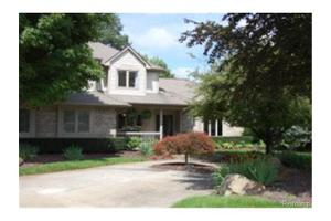 1286 Glen Ct, Highland Twp, MI 48357