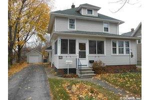 241 River St, Rochester, NY 14612