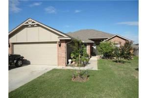 4225 Red Apple Ter, Moore, OK 73160
