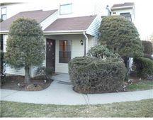 2002 Woodbridge Commons Way, Iselin, NJ 08830