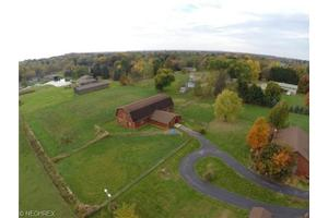 18 Manning Rd, Suffield, OH 44260