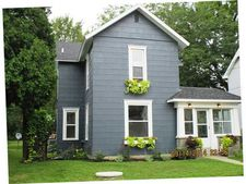 446 S Grove St, Bowling Green, OH 43402