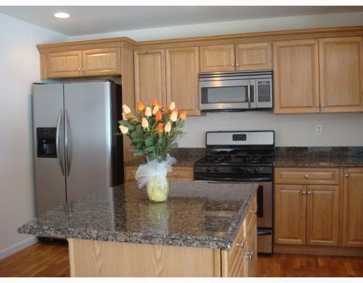 11 Toll House Ct, Newburgh, NY 12550
