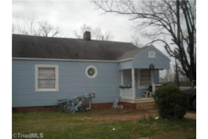 415 W 7th Ave, Lexington, NC 27292