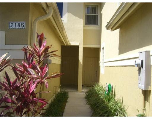 2185 Hacienda Ter, Weston, FL