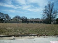 604 Willow Ct, Pryor, OK 74361