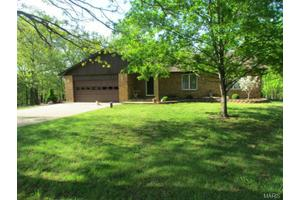 1677 Springfield Loop, Sullivan, MO 63080
