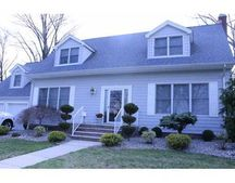 75 David St, South River, NJ 08882